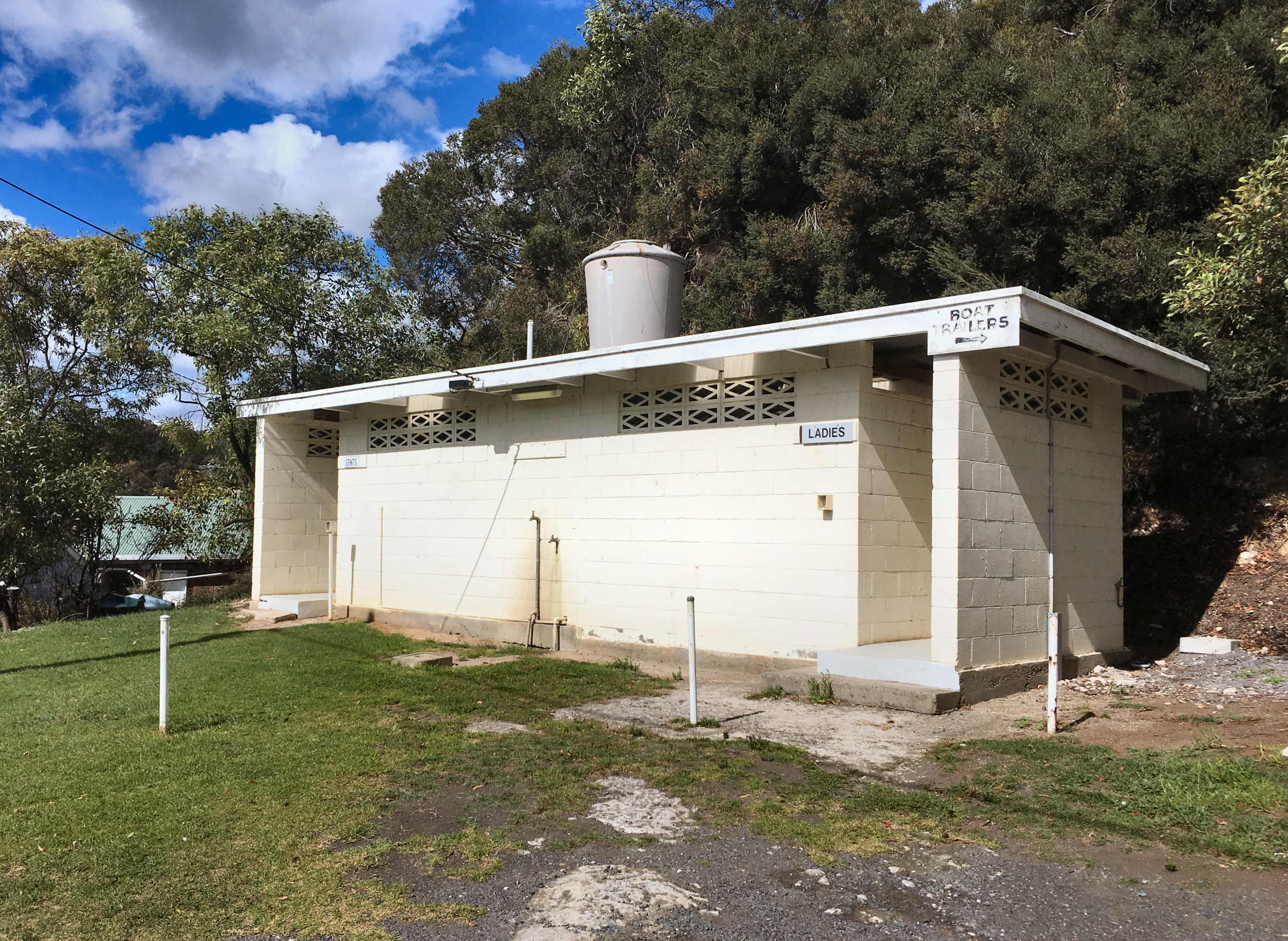 Glenelg public toilets